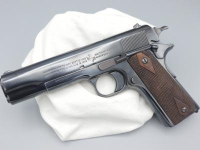 Colt-1911-10